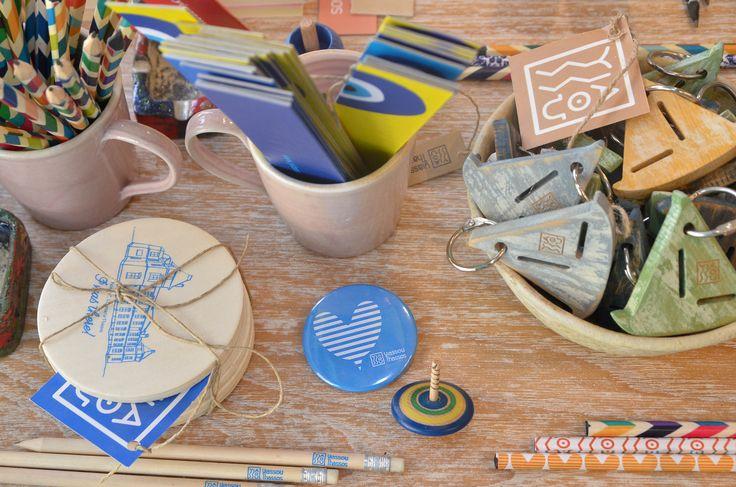 Οι Yiassou Greece κάνουν τέχνη με το ελληνικό σουβενίρ