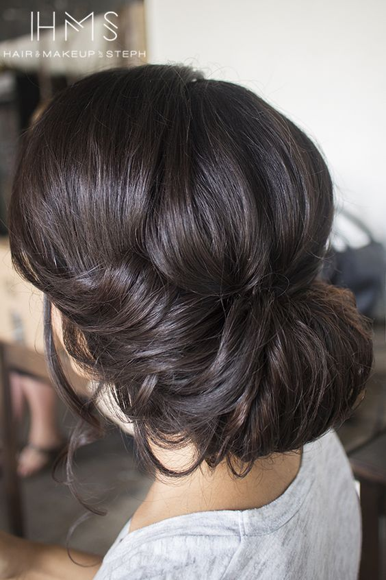 wedding chignon updo hairstyle / http://www.himisspuff.com/beautiful-wedding-updo-hairstyles/6/