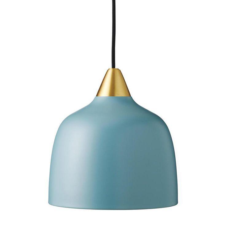 Lampa wisząca z kolekcji Urban Pendant składająca się z rozety sufitowej, przewodu zasilającego pokrytego czarnym materiałem oraz abażura w kształcie kopuły z matowego lakierowanego na kolor ...