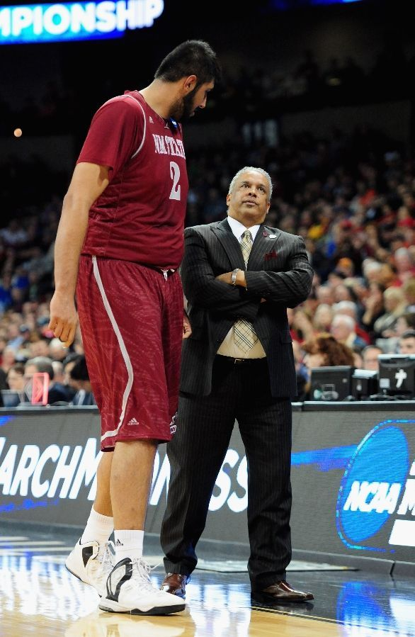 new mexico state basketball 7'5' native | Sim Bhullar Pictures