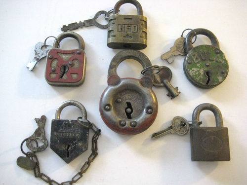 Would love a wall of padlocks of all the couples that visited/got married in my home