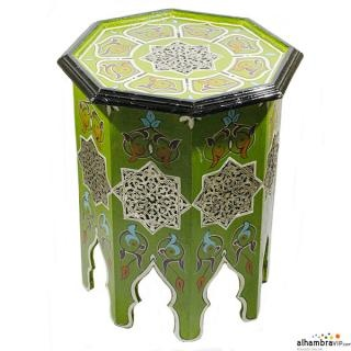 Mesa auxiliar ideal para decorar tu hogar o tomar un buen té.