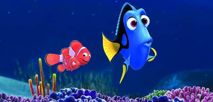 Больше 10лет назад рыбка-клоун Марлин отправился напоиски излишне любопытного сына Немо. Впути ему помогала страдающая провалами впамяти синяя рыбка Дори. Вместе они добрались додругого конца океана, встретили новых друзей, узнали много нового осебе, заработали студии Pixar статуэтку «Оскар» имиллиард долларов впрокате. Теперь пришло время путешествия Дори. Премьера назначена на 16 июня.