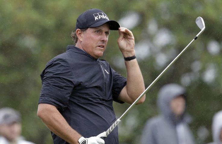 """Phil Mickelson could probably afford it, but it's an eye-opening sum. (AP Photo/Eric Gay)  Phil Mickelson has long been known to be a fan of making things """"interesting,"""" on the golf course and elsewhere, but Thursday brought an eye-opening detail.During the insider-trading trial of a...  http://usa.swengen.com/court-documents-reveal-phil-mickelson-once-paid-friend-2-million-in-gambling-debts/"""