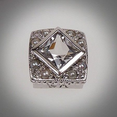 6/6 mm Princess Cut Square Topaz White & Pearl
