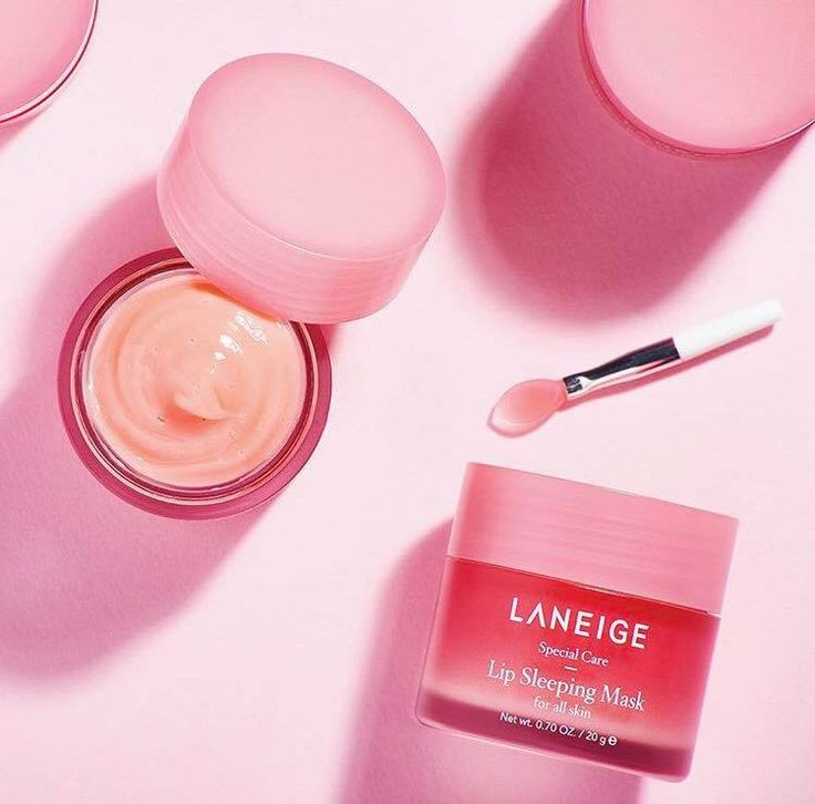 LANEIGE LIP SLEEPING PACK REVIEW - we're taking a look at this popular K-Beauty product to find out what it does, who should use it and why it's so popular!
