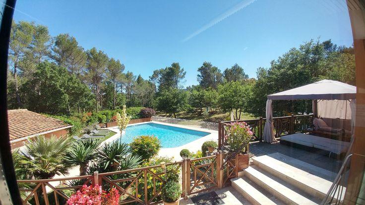 Villa Victoria Pays-d'Aix-Marseille-Cassis, piscine privée chauffée sécurisée, nombreux jeux. .L'endroit rêvé pour vos vances en Provence,  www.villavictoria-marseilleaix.com