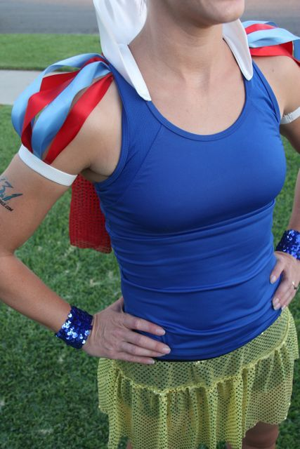 I adore this woman (and her blog) because:  1.  she's a mama  2.  she makes stuff  3.  she's a runner  4.  she makes stuff to run in.  (This one is a supercute, easy to make Snow White costume for her Disney 1/2 marathon)