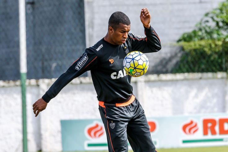 Erazo quer vitória sobre o Timão para arrancar - Confederação Brasileira de Futebol