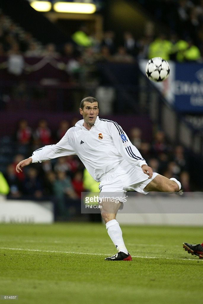 Zinedine Zidane Of Real Madrid Keeps His Eye On The Ball As He Scores Real Madrid Football Real Madrid Football Club Zinedine Zidane