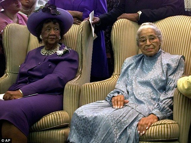 Obama's tears at Dorothy Height's funeral in Washington   Mail Online
