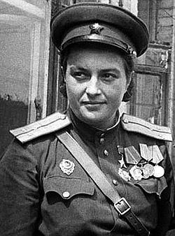 Павличенко Людмила-   самая успешная женщина-снайпер в мировой истории, имевшая на своём счету 309 подтверждённых смертельных попаданий в солдат и офицеров войск противника.