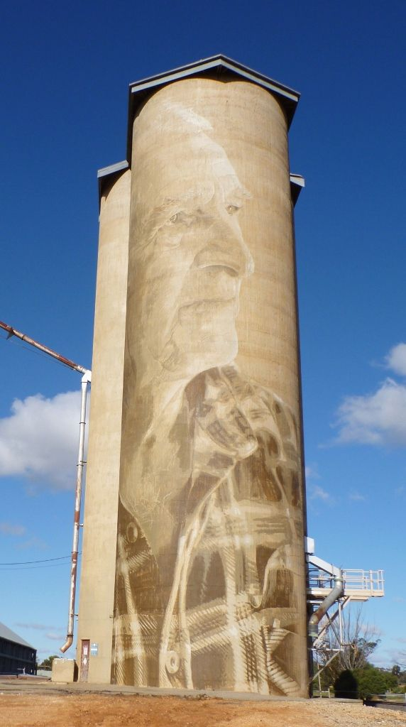 Geoff Horman on the north facing silo at Lascelles
