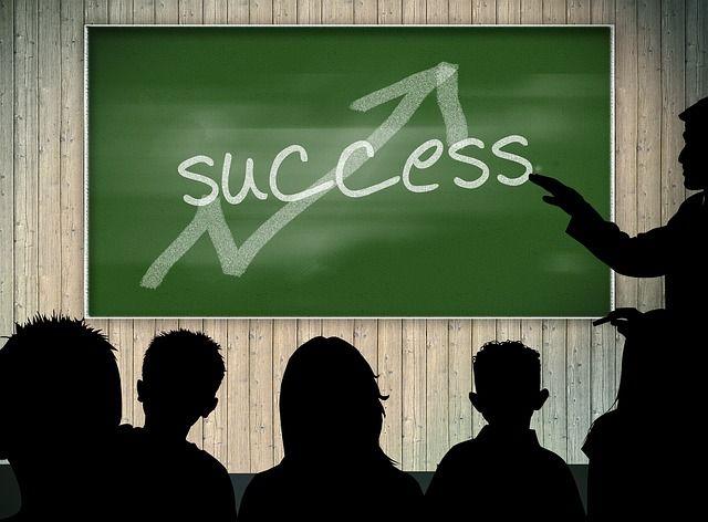 http://efirmowy.pl/angielski-w-czestochowie-kursy-dla-firm/ Angielski w Częstochowie - kursy dla firm