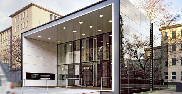 Nel cuore di Berlino l'F87 è la casa flessibile ed efficiente a zero emissioni, consumi e rifiuti dal ciclo di vita sostenibile perché ogni elemento costruttivo è riciclabile.