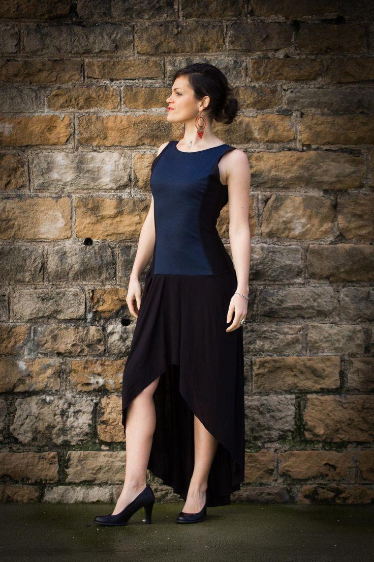 """Robe pour femme """"Anna"""", longue et asymétrique, cintrée, jean bleu et noire, profond décolleté en V au dos"""