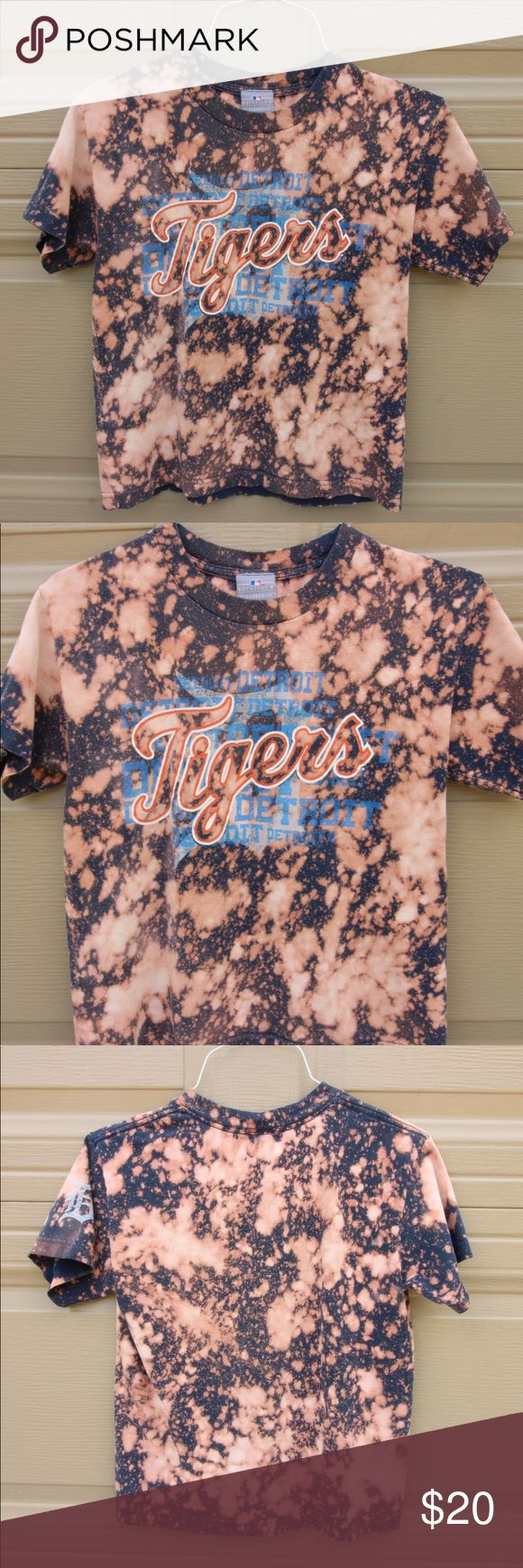 Vintage Bleach Dyed DETROIT TIGERS shirt Vintage DETROIT TIGERS tshirt that I bleach dyed! Men's size medium. Listed in the women's because it's more of women's colors and loose vintage tees are in! NOTE** THIS ITEM IS NOT ADIDAS. I JUST PUT THAT FOR THE LISTING. adidas Tops Tees - Short Sleeve