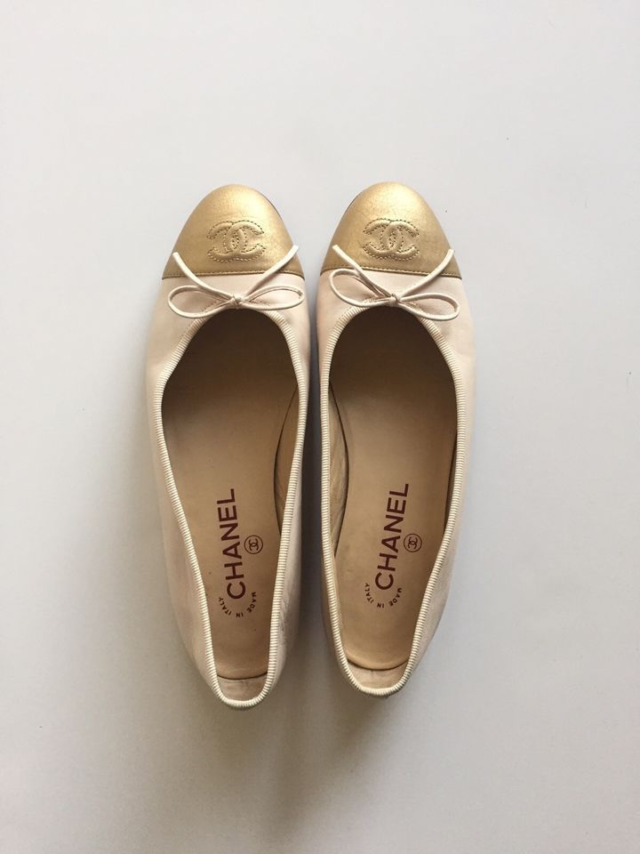 Chanel Calfskin Ballerina Flats Pink With Gold Cap Toe Size 38 Made In Italy Sapatos Luxo