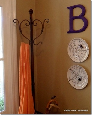 """""""BOO"""" Wall Decor for Halloween @ A Walk in the Countryside"""