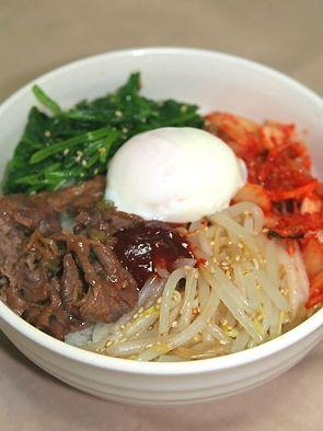 「焼肉のたれで簡単ビビンバ☆」焼肉のタレでおうちでも簡単にビビンバができ、しかも野菜も摂れるのでgood♪【楽天レシピ】