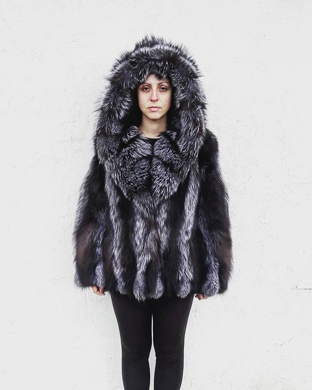 http://ift.tt/2yx2LPQ #fashion #furcoat #foxfur #real #fur #coat #jacket #new #style #accessories #instagood #hot #love #followme #like4like #jewelry #handmade #handmadejewelry #women #worldwide #photography #photo #etsy #picture #photooftheday