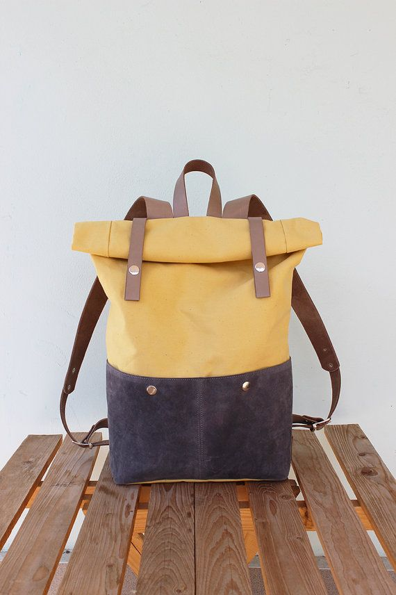 Canvas Backpack Rolltop with beige leather details by Phestyn