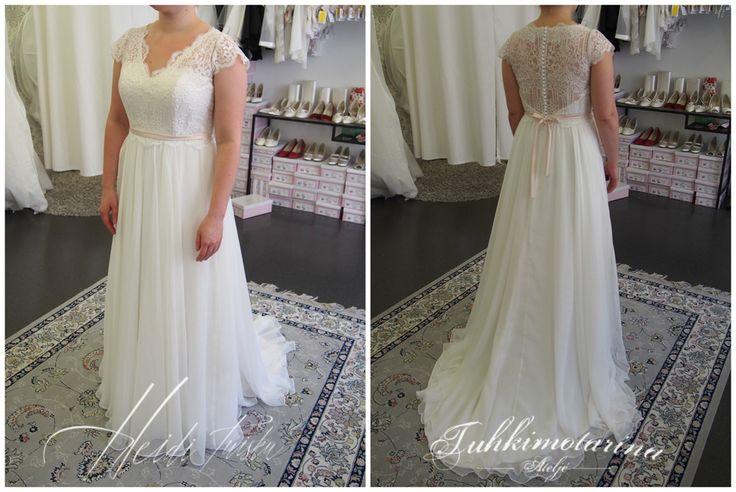 Chiffon and lace wedding dress by Heidi Tuisku/Ateljé Tuhkimotarina