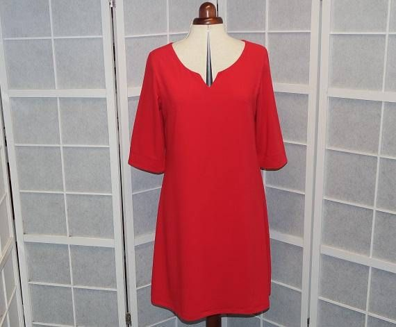Robe trapèze rouge en crêpe de polyester à manches 3/4