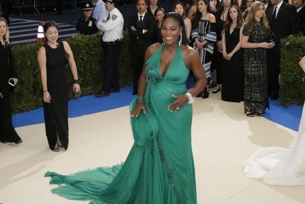 Serena Williams and fiance Alexis Ohanian, Reddit cofounder, have welcomed a daughter, sources at the Florida hospital where the tennis…