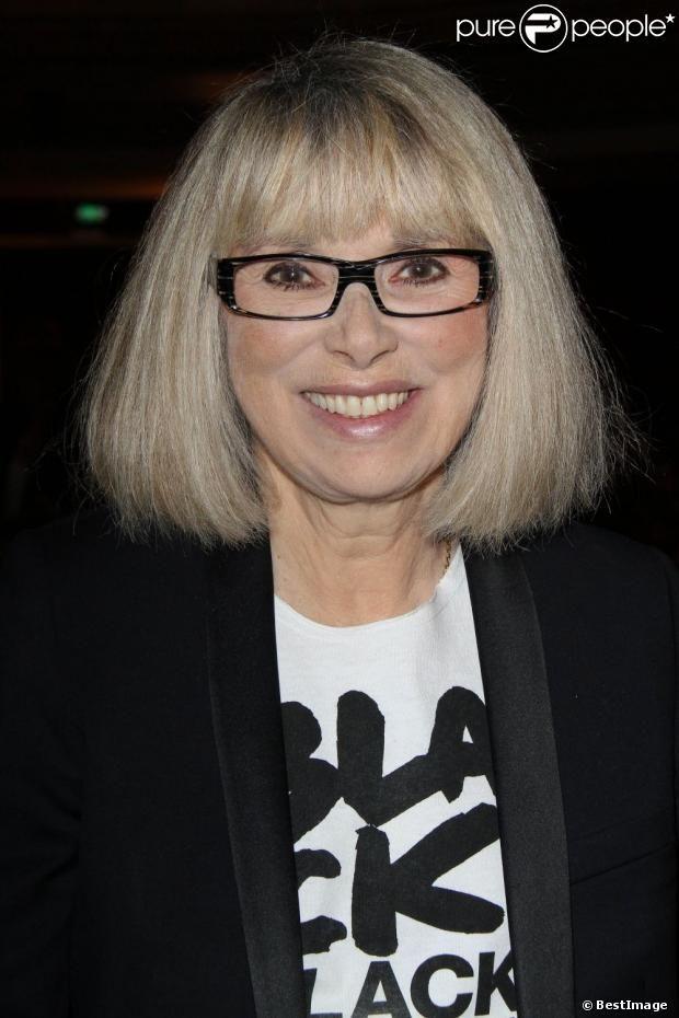 Mireille Darc - Le prix Clarins Femme Dynamisante fête ses 15 ans à Paris, le 15 octobre 2012.