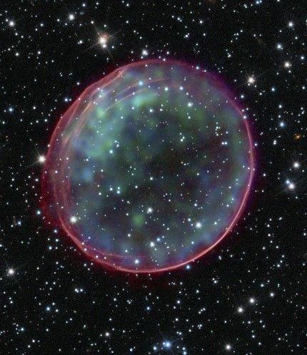 Το διαστημικό τηλεσκόπιο Χαμπλ (© REUTERS/NASA, ESA, CXC, SAO, Hubble Heritage Team (STScI/AURA), J. Hughes (Rutgers University)/Handout)