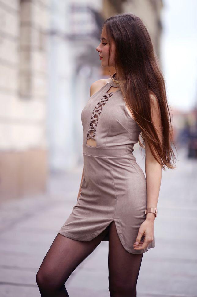 Zamszowa Krotka Sukienka Czarne Rajstopy Lakierowane Szpilki I Zloty Zegarek Fashion Eve Outfit Fashion Models