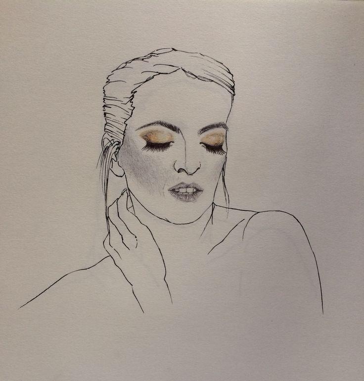 Realizzato a penna con un cenno colorato sulle palpebre #trucco #ombretto