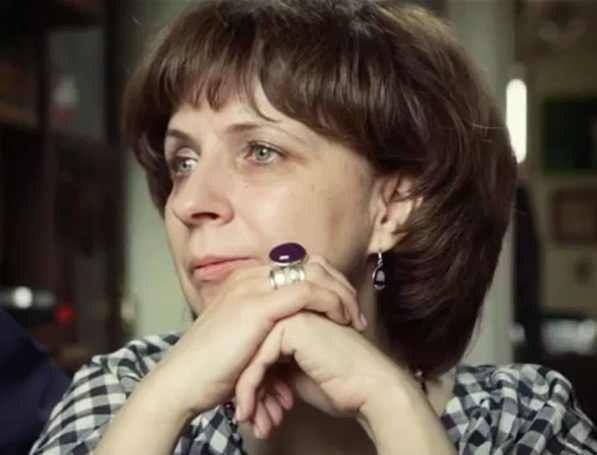 Russia: Deeply alarming raid targets human rights activist Zoya Svetova who works to defend polit/prisoners https://www.amnesty.org/en/latest/news/2017/02/russia-deeply-alarming-raid-targets-human-rights-activist-and-journalist-zoya-svetova/ …