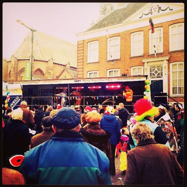 Sjansjee a.s. zaterdag om 13.30 uur live bij de bekendmaking van recordpoging van #MaMi Winkelcentrum #Etten-Leur http://goo.gl/RjLKIJ Kom je ook!?