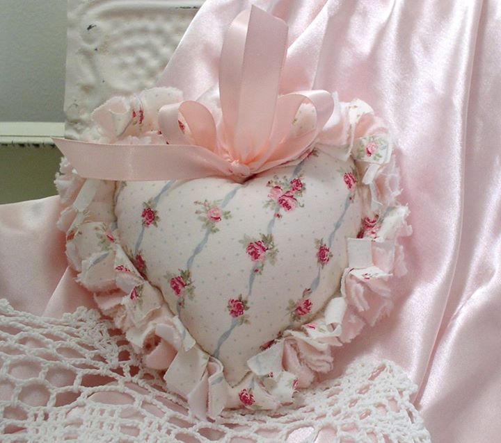 Shabby Chic Heart Pillows : 17 Best images about SHABBY CHIC ~ PILLOWS on Pinterest Cabbage roses, Shabby chic and Pink roses