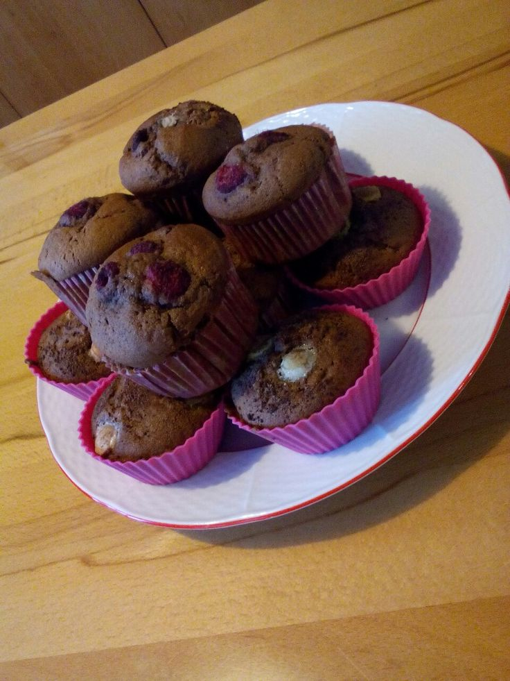 Chocolate muffins :3