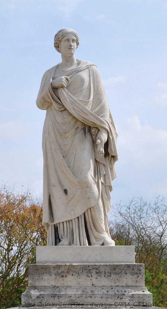 La statue de Céres du parc du château de Compiègne