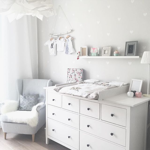 de 25 b sta id erna om baby kinderzimmer bara p pinterest barnkammare jugendzimmer. Black Bedroom Furniture Sets. Home Design Ideas