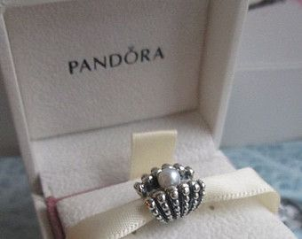 Authentic Pandora One of A Kind Shell Beach Pearl Charm For Bracelet with BOX!