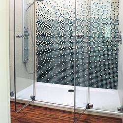 Wyposażenie łazienki. Wybieramy kabiny prysznicowe