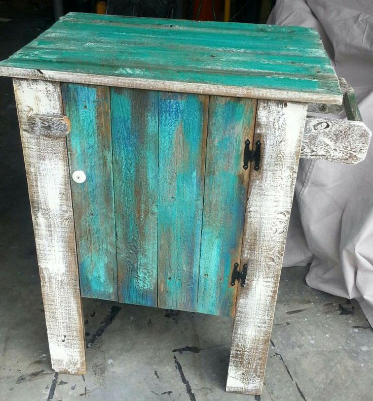 tiffany blue rustic bedroom | Turquoise & white barn wood cabinet
