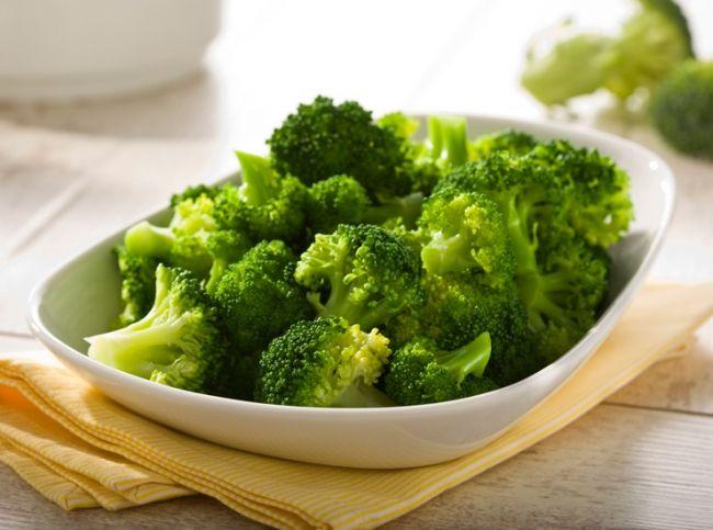 Come pulire e cucinare i broccoli: imparare apulire e a cucinare in modo sfiziosouno degli ortaggi più sani della stagione invernale.