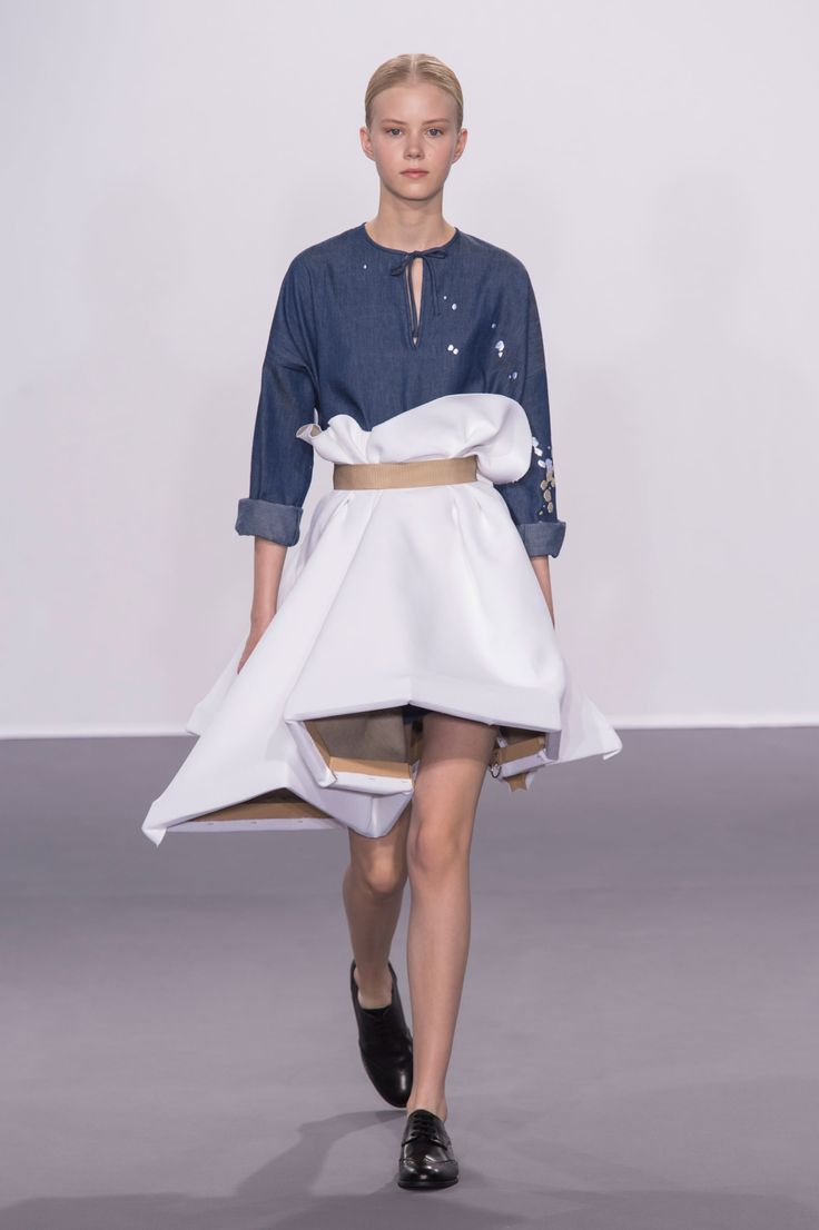 FALL 2015 COUTURE VIKTOR & ROLF