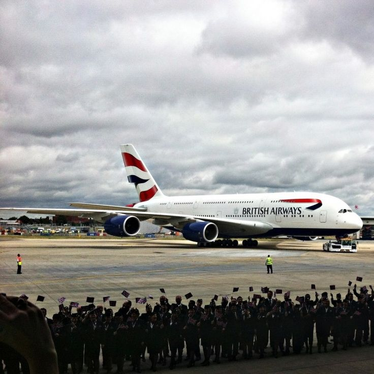 The first A380 arrives at London Heathrow