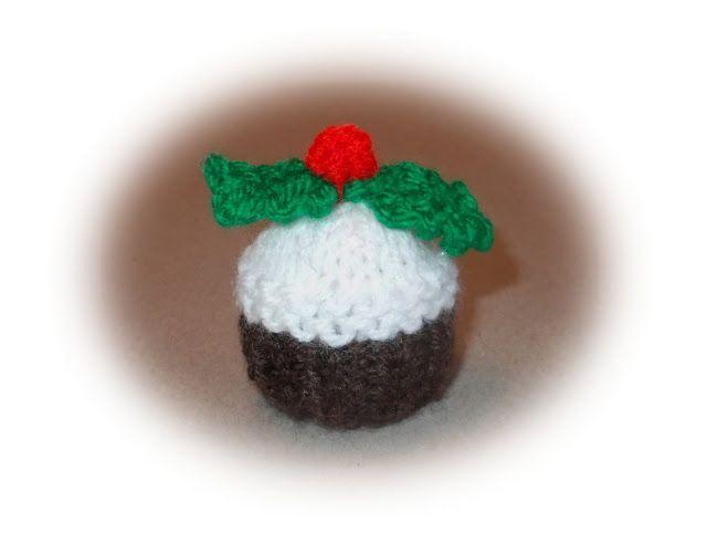 Marianna's Ferrero Rocher Mini Xmas Pudding    DK yarn  4mm needles    Using brown, cast on 21sts   1 st  Row: S ...