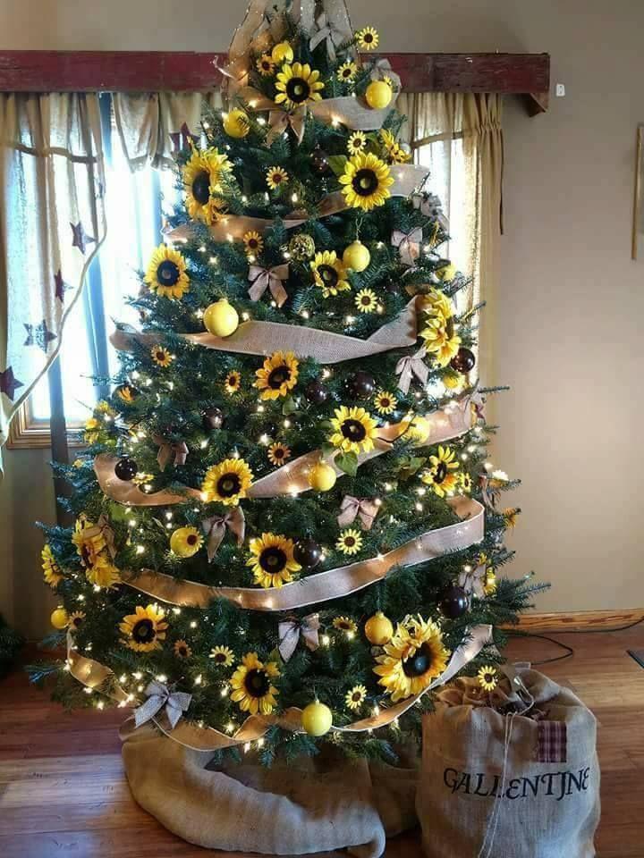 sunflower christmas tree - Pinterest Christmas