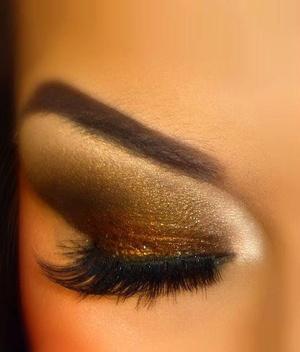 Chocolate & Gold Smoky Eyes
