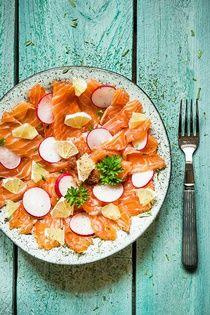 Carpaccio zmarinovaného lososa