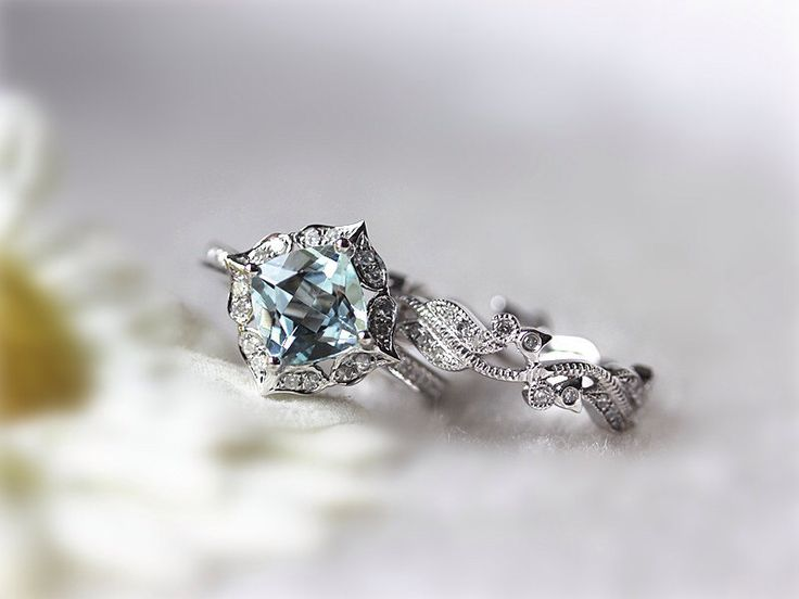 Aquamarine Wedding Bands 25 Cute Unique engagement rings aquamarine